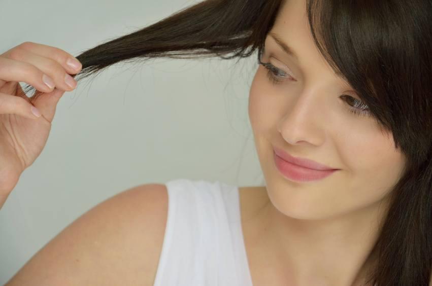 Olej jojoba i jego zastosowanie w pielęgnacji skóry i włosów