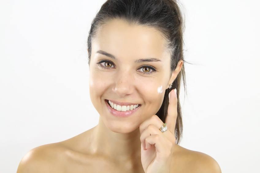 Regeneracja skóry po wakacjach - najlepsze zabiegi, pomocne wskazówki i kosmetyki