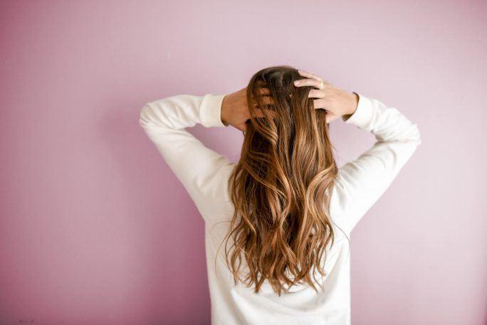 Olejowanie włosów na sucho krok po kroku